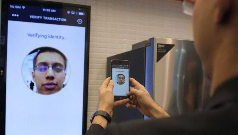 MasterCard pretende lançar serviço de pagamento por selfies